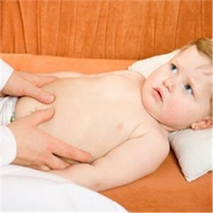 пальпация живота у ребенка